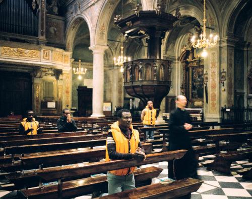 Un réfugié chrétien à l'église d'Edolo
