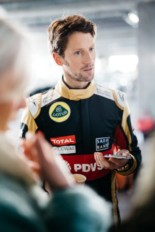 Romain Grosjean photographié pour Total F1