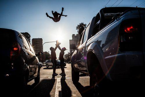 Spectacle acrobatique de rue