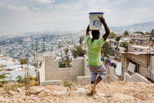 Le quartier de Jalousie au dessus de PétionVille en Haïti.