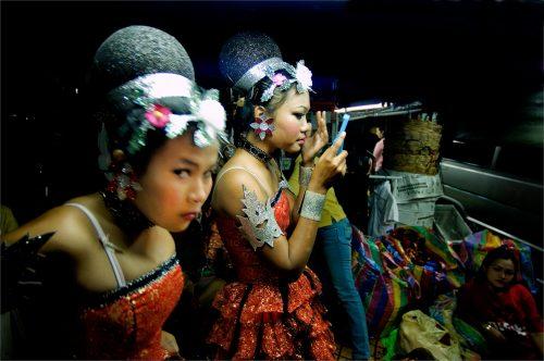 ELEGANCE AT BANGKOK MARKET